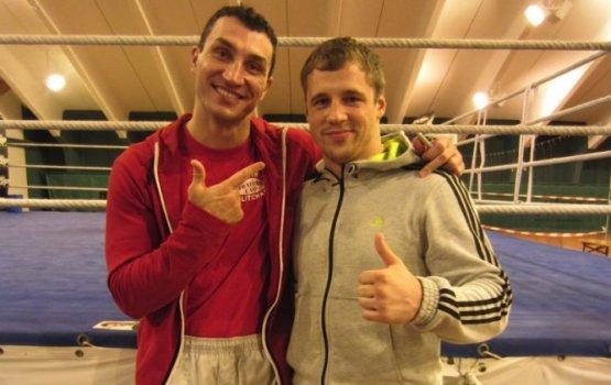 Латвийский боксёр отправляется на спарринг с Кличко