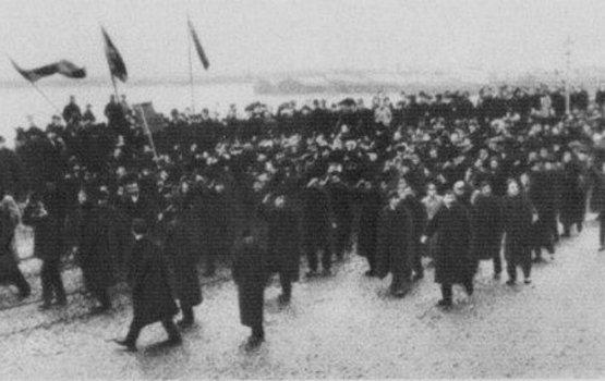 8 января 1932 года: бунтующая толпа безработных на бирже труда