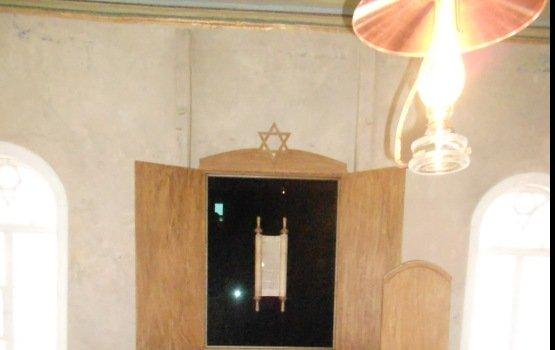 В Резекне открыли реновированную Зеленую синагогу