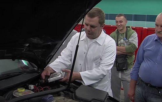 В Даугавпилсском строительном техникуме учили чипировать автомобили