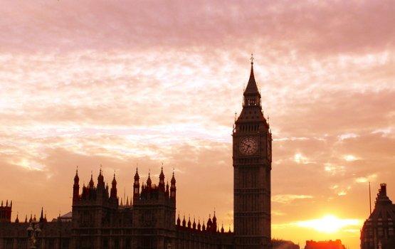 Министры Польши срочно направляются в Лондон из-за нападений на поляков