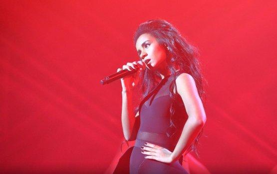 Амината очаровала публику на своем первом сольном концерте
