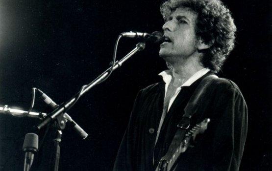С сайта Боба Дилана удалили упоминание о Нобелевской премии