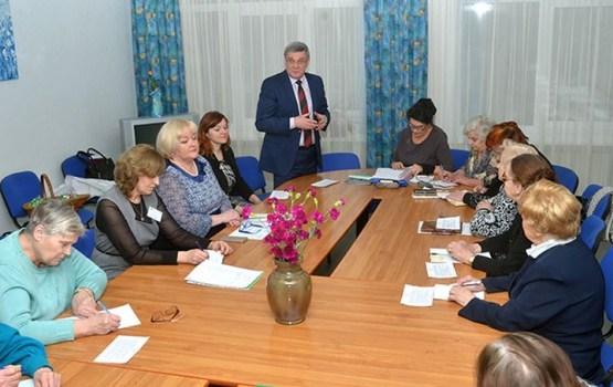 С активистами Varavīksne встретился мэр Янис Лачплесис