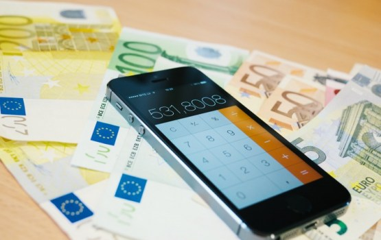 В Латвии хотят сблизить бедных и богатых при помощи налогов