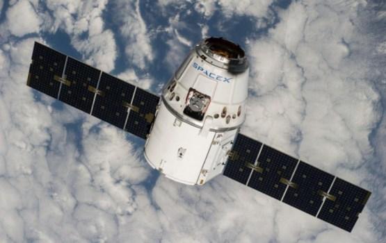 NASA: космический грузовик SpaceX Dragon пристыковался к МКС со второй попытки