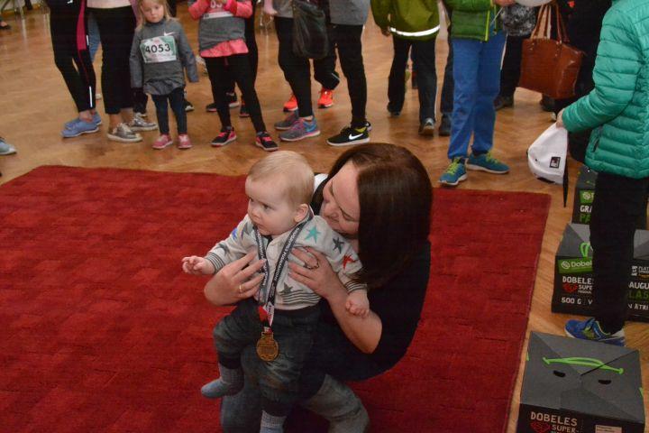И малыши доползли до медалей