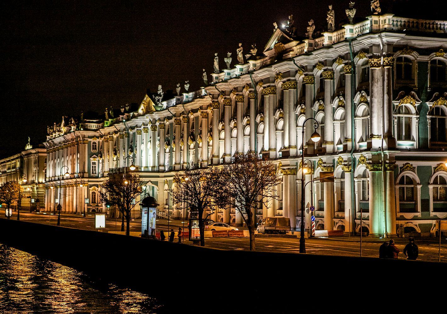 Внимание, конкурс: выиграй поездку в Санкт-Петербург!