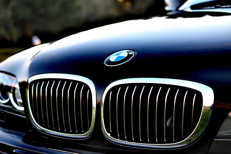 Страховщики: в Латвии удвоилось количество угонов автомашин, чаще всего крадут BMW