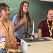 Ученицы 13-й школы вернулись из Нью-Йорка с золотом