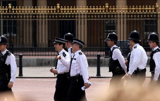 Великобритания: юноша из Латвии устроил дебош в полицейском участке