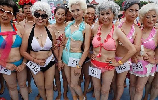 В Китае 400 пенсионерок пришли на конкурс бикини
