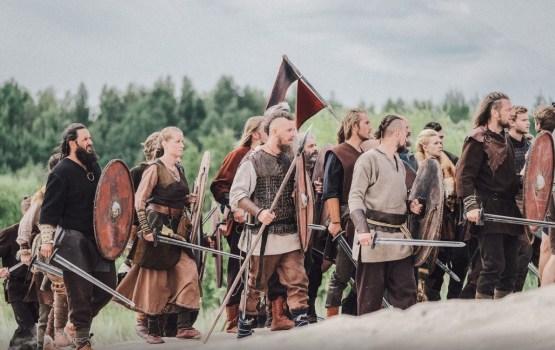 """Как снимали массовые батальные сцены латвийского блокбастера """"Кольцо Намейса"""""""