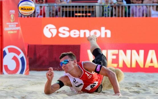 Латвийские «пляжники» преодолели групповой турнир