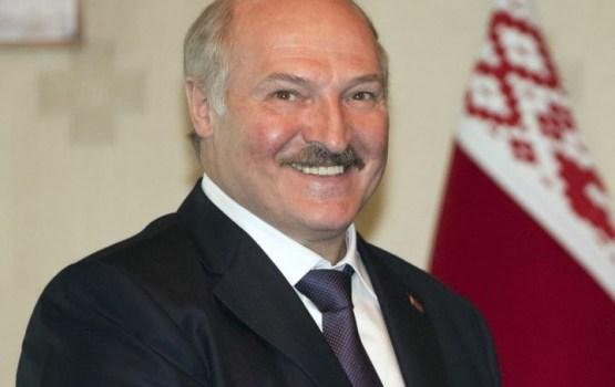 Лукашенко потребовал заставить 300 тысяч белорусов работать