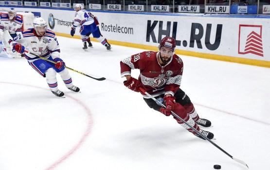 Хоккей: свергнуть лидера рижанам не удалось