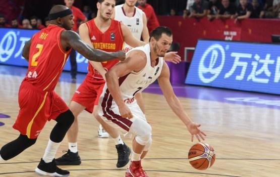 Сборная Латвии разгромила Черногорию и вышла в четвертьфинал Евробаскета