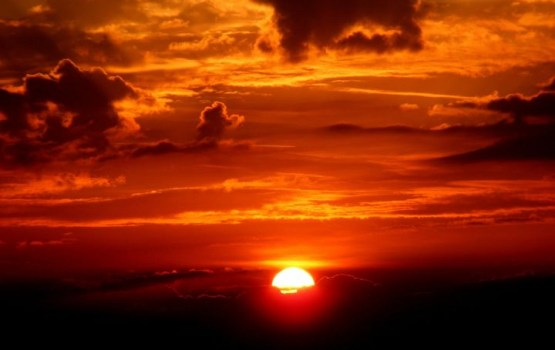 Ученые обещают мощную магнитную бурю из-за вспышки на Солнце