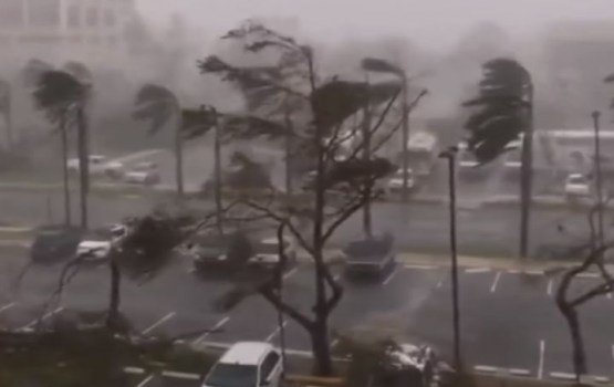 "Ураган ""Мария"" обесточил Пуэрто-Рико и ударил по телескопу ""Аресибо"""