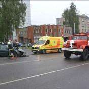 В результате ДТП было заблокировано движение трамваев