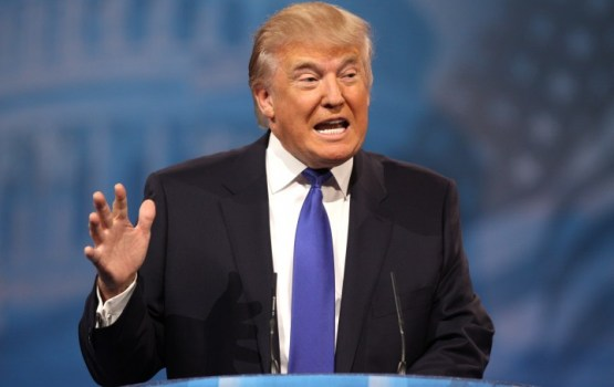 "Трамп представил план по ""историческому"" снижению налогов"