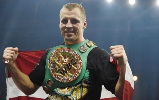 Бриедис победил Переса и защитил чемпионский титул WBC