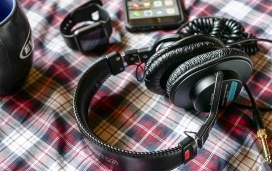 """""""Вконтакте"""" и """"Одноклассники"""" ограничили прослушивание музыки в приложениях"""
