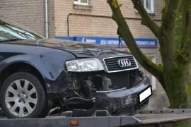 Фотофакт: столкнувшиеся авто получили серьезные повреждения