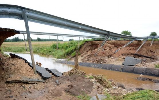 Минсообщения просит 1,9 млн евро на восстановление дорог и железнодорожных путей