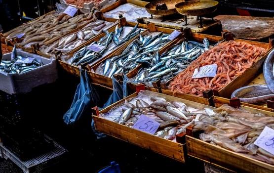 На одном из местных рынков купили рыбу с паразитами