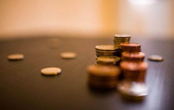 Поступления бюджета следующего года - 8,75 млрд евро, расходы - 8,95 млрд евро
