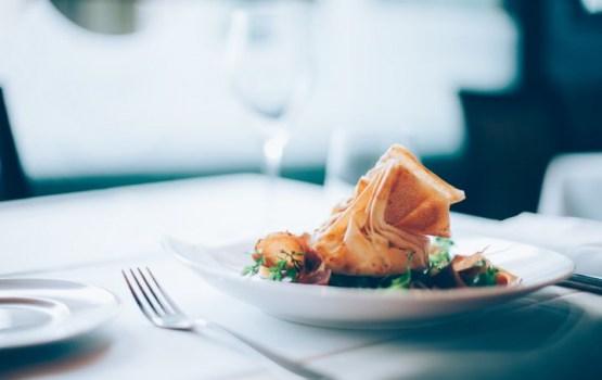 Цены - вверх, качество - вниз: рестораны могут стать для нас еще менее доступными