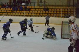 Юные хоккеисты U-16 одержали очередную победу