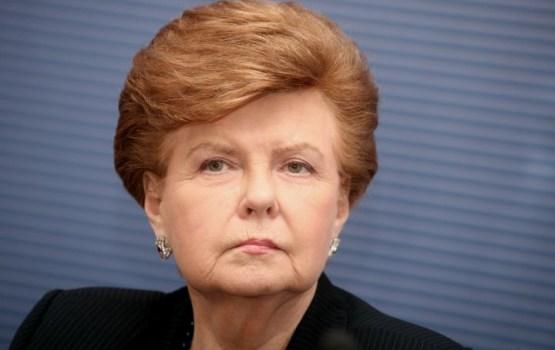 """БПБК проверило """"кладбищенский скандал"""" с Вике-Фрейбергой: экс-президенту не пришлось объясняться"""