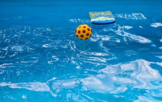 После несчастного случая в бассейне ушел с должности глава ВОЦ
