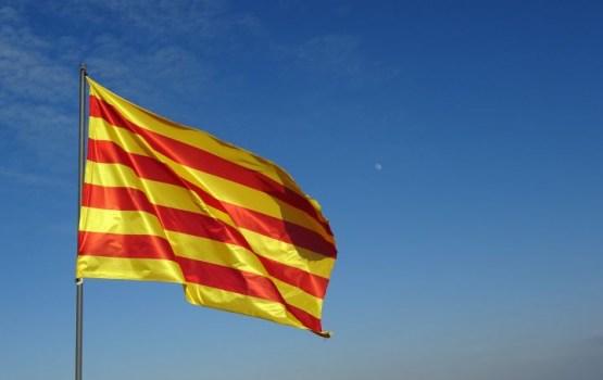 Мадрид предостерегает: Каталония может лишиться статуса автономии