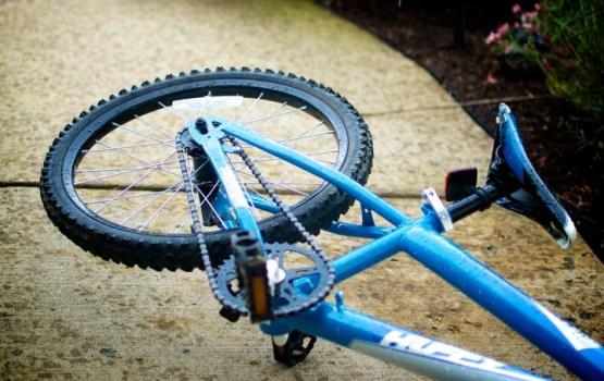 Детский велосипед дважды стал объектом хулиганства