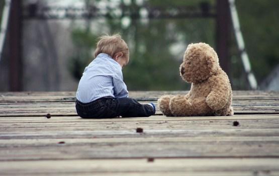 Насилие в семье: в больницу доставили избитых детей, малышей били по голове