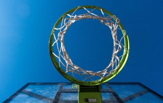 Баскетбол: дома открыли сезон победой