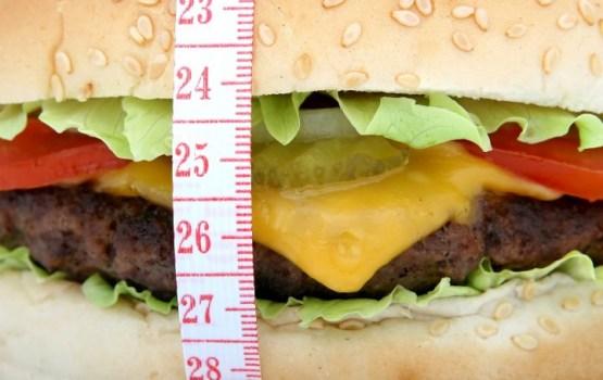 Нехватка сна заставляет людей потреблять много лишних калорий