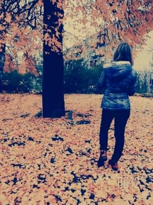Голосуем за «Девушку октября»