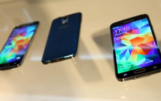 60% жителей Латвии пользуются смартфонами