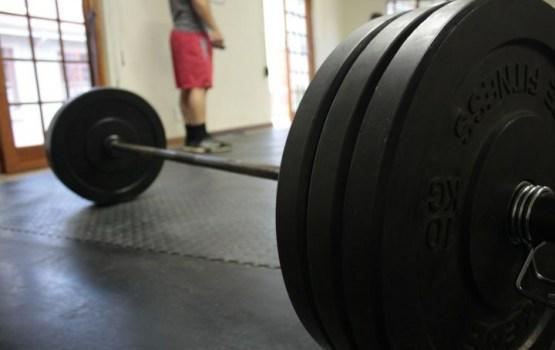 Россиянин поднял штангу весом в 440 килограммов