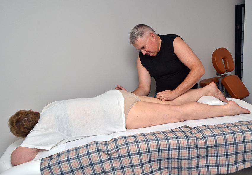 Прекрасный формы секс массаж онлайн