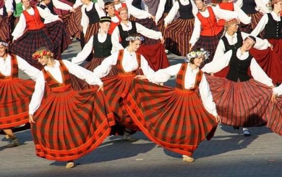 Коллективы Центра латышской культуры приглашают на концерты