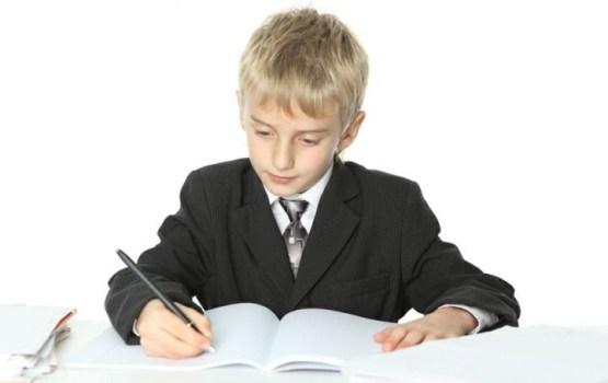 Профсоюз настаивает на том, чтобы в Латвии дети шли в школу с шестилетнего возраста