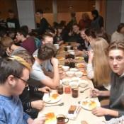 Я. Дукшинский проконтролировал качество питания старшеклассников