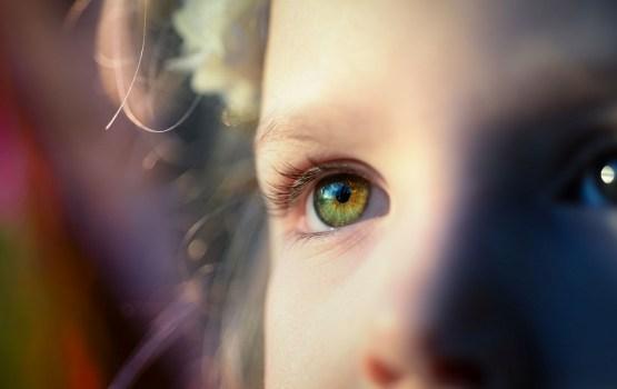 LTV7: Латвия может запретить усыновление детей за границу, общественные организации - против (ВИДЕО)