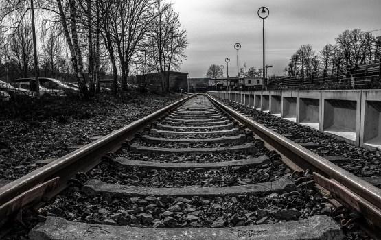 В Тукумсе погибла попавшая под грузовой поезд женщина