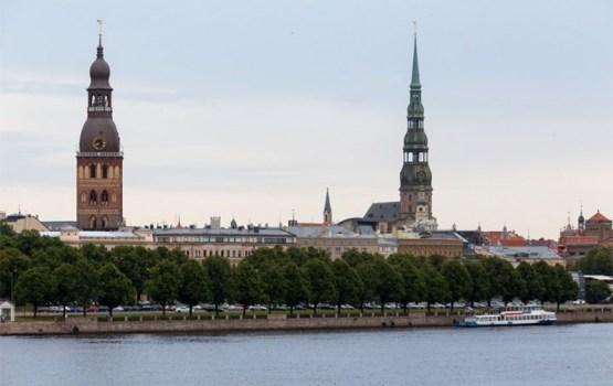 Опрос: латвийцы уверены, что страна управляется в интересах отдельных групп